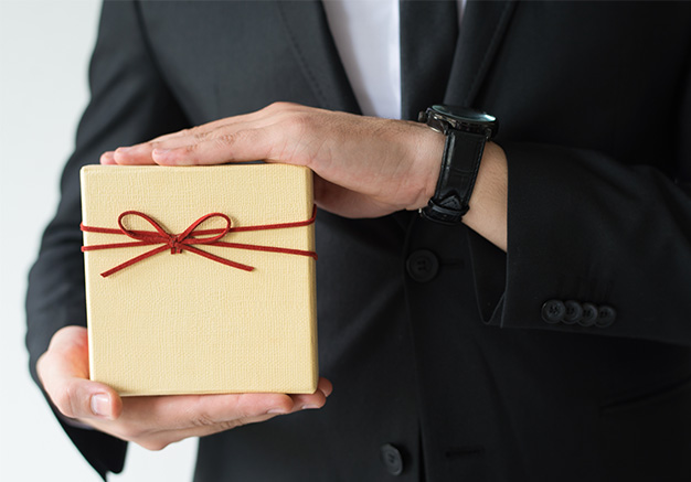 5 Gift Ideas for New Customers That They'll Actually Like